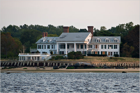 the great gatsby the buchanans house